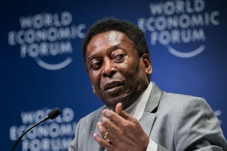 Legenda timnas Brasil, Pele, saat menjadi pembicara pada acara World Economic Forum di Sao Paulo, 14 Maret 2018.