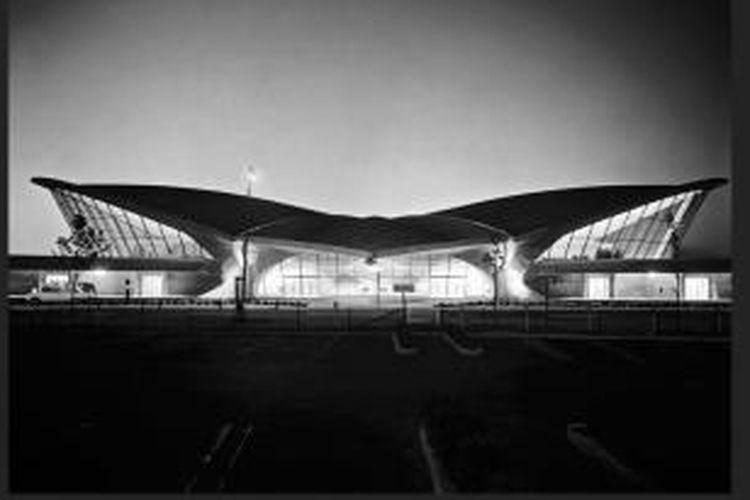 Terminal Trans World Airlines (TWA) di Bandara Internasional John F. Kennedy (JFK), New York, Amerika Serikat, sudah menutup masa kejayaannya. Kini, terminal yang tidak lagi digunakan tersebut akan digarap oleh perusahaan milik Andre Balazs dan dijadikan hotel bernama