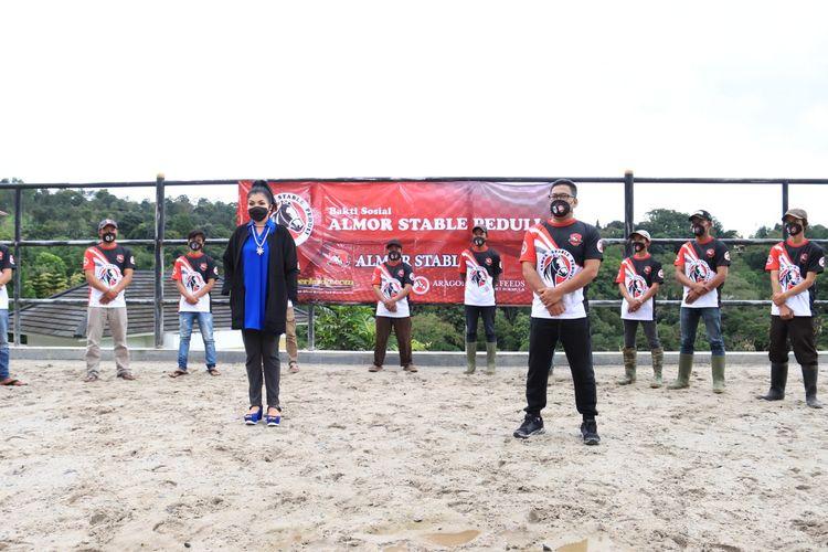 Almor Stable menggelar kegiatan bakti sosial yang ditujukan khusus untuk para komunitas kuda sewa Tunas Turangga Giri Gunung Mas Puncak Bogor.