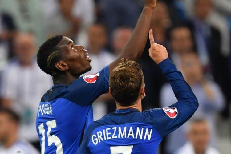 Para pemain Perancis merayakan gol Antoine Griezmann ke gawang Jerman pada semifinal Piala Eropa di Stade Velodrome, Kamis (7/7/2016).