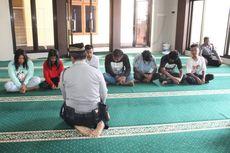 Terciduk Pesta Miras, Tujuh Remaja Disuruh Istighfar di Masjid