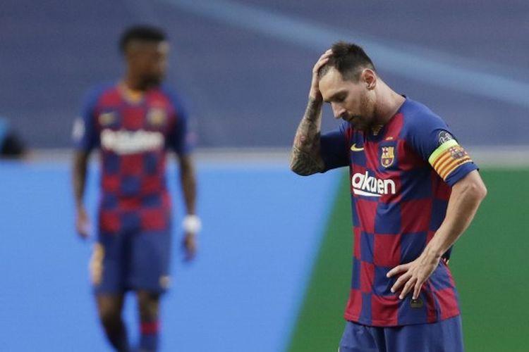 Reaksi kapten Barcelona, Lionel Messi, setelah Bayern Muenchen mencetak gol kedua laga perempat final Liga Champions kontra Bayern Muenchen di Estadio Da Luz, Lisbon, pada Sabtu (15/8/2020) dini hari WIB.