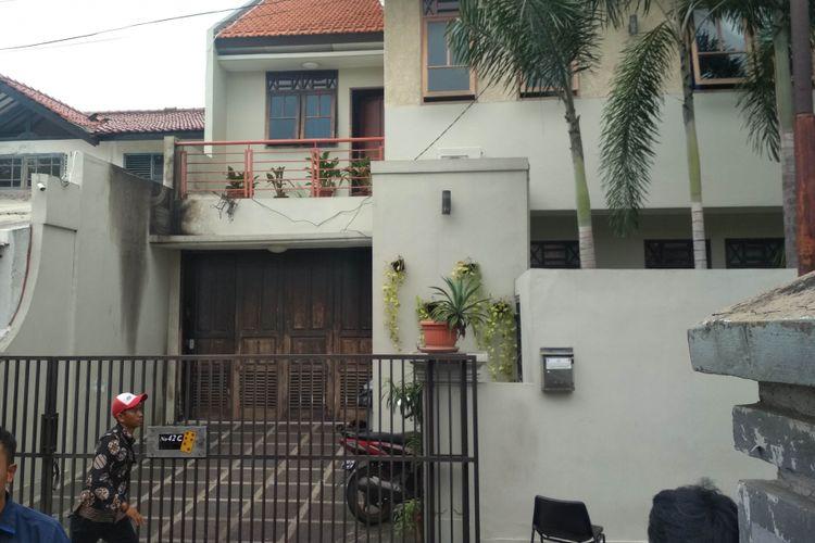 TKP bom molotov di Jalan Kalibata Selatan No.42.c, Jakarta Selatan