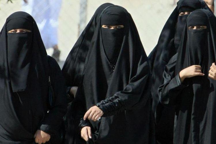 Sistem perwalian Arab Saudi tidak mengizinkan seorang perempuan menemui dokter laki-laki seorang diri.
