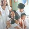 Pulang ke Rumah, Dwi Sasono Bawa Buah Tangan untuk Widi Mulia dan 3 Anaknya