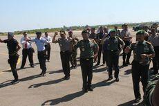 Turun dari Pesawat VIP, Panglima TNI dan Kapolri Joget Bersama