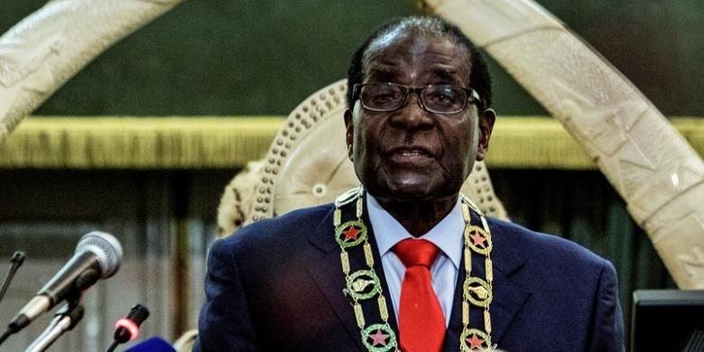 Presiden Zimbabwe Robert Mugabe saat memberikan pidato kenegaraan di gedung parlemen, Selasa (25/8/2015).