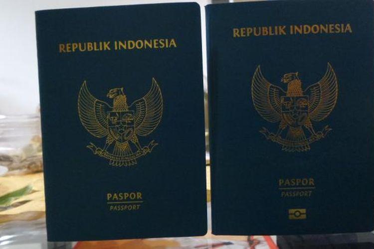 Perbandingan antara paspor biasa dengan paspor elektronik yang diperlihatkan di Kantor Imigrasi Kelas 1 Khusus Bandara Soekarno-Hatta, Tangerang, Rabu (23/11/2016). Ada tanda-tanda kecil yang membedakan antara paspor biasa dengan paspor elektronik, termasuk dengan ketebalan paspor yang berbeda.