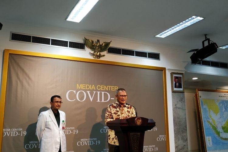 Juru bicara pemerintah untuk penanganan virus corona Achmad Yurianto dalam konferensi pers di Istana Kepresidenan, Jakarta Pusat, Selasa (10/3/2020).