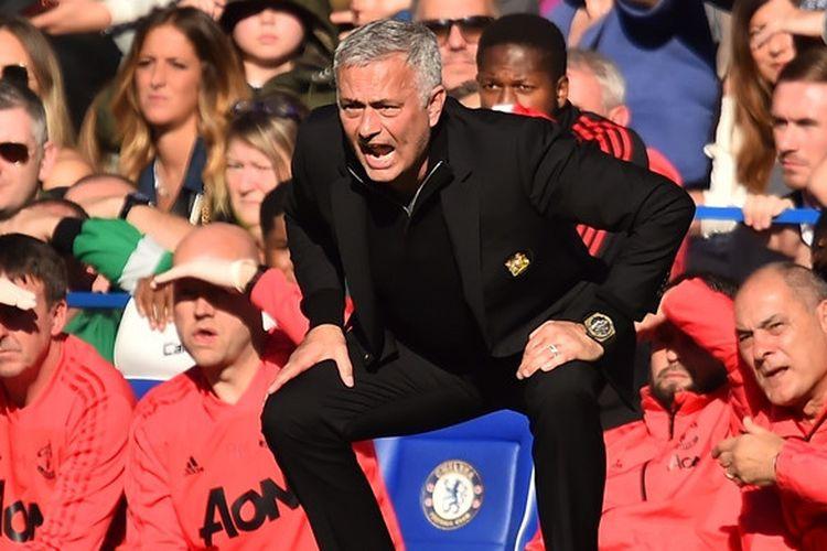 Jose Mourinho semasa masih melatih Manchester United dalam laga Liga Inggris melawan Chelsea di Stadion Stamford Bridge, London, Inggris pada 20 Oktober 2018.