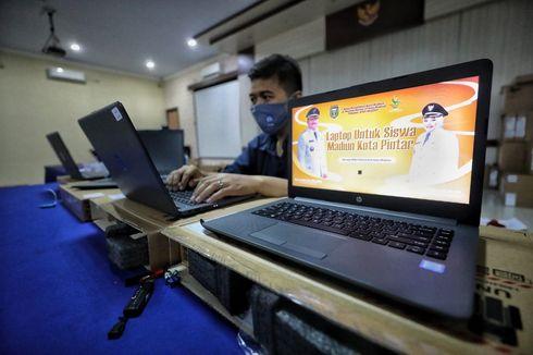 Jadikan Madiun Kota Pintar, Wali Kota Maidi Beri Bantuan 5.425 Laptop ke Siswa SD dan SMP