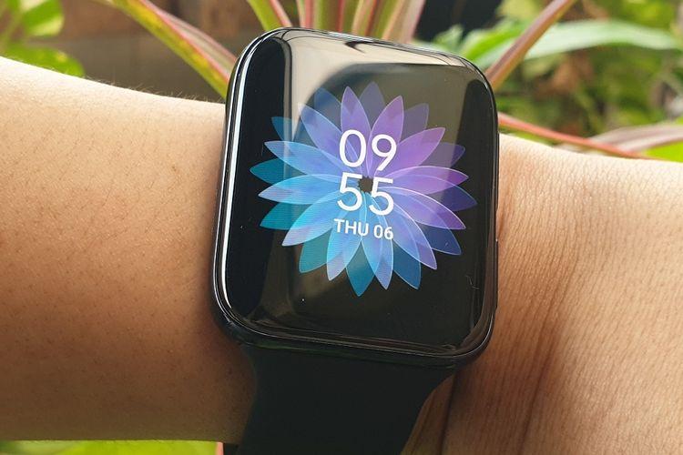 Oppo Watch menggunakan layar Flexible Dual-Curved Display dengan bingkai layar lebih tipis dan rasio lebih besar.