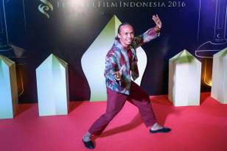 Yayan Ruhian diabadikan saat menghadiri malam puncak Festival Film Indonesia (FFI) 2016 di Teater Besar Taman Ismail Marzuki, Jakarta. Minggu (6/11/2016). Ajang penghargaan bagi insan perfilman Indonesia FFI 2016 kali ini mengangkat tema Restorasi Film.