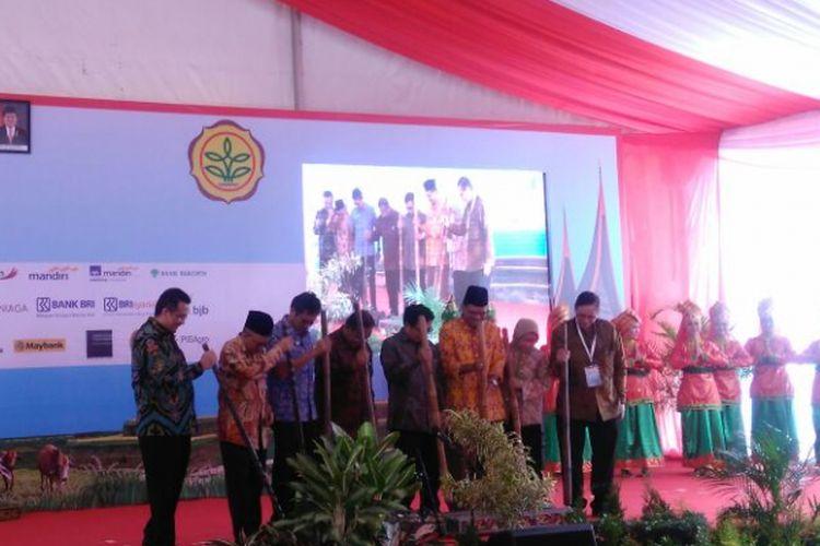 Peluncuran Program Aksi Pangan di Kabupaten Lima Puluh Kota, Sumatera Barat, Jumat (24/3/2017)