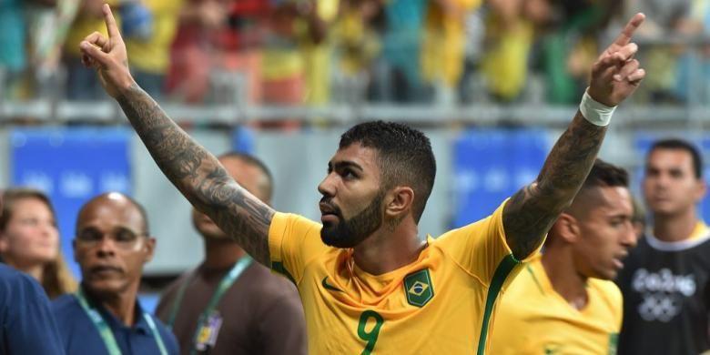 Gabriel Barbosa merayakan gol Brasil ke gawang Denmark pada partai pamungkas Grup A Olimpiade Rio di Stadion Itaipava Arena Fonte Nova, Rabu (10/8/2016) waktu setempat atau Kamis dini hari WIB.