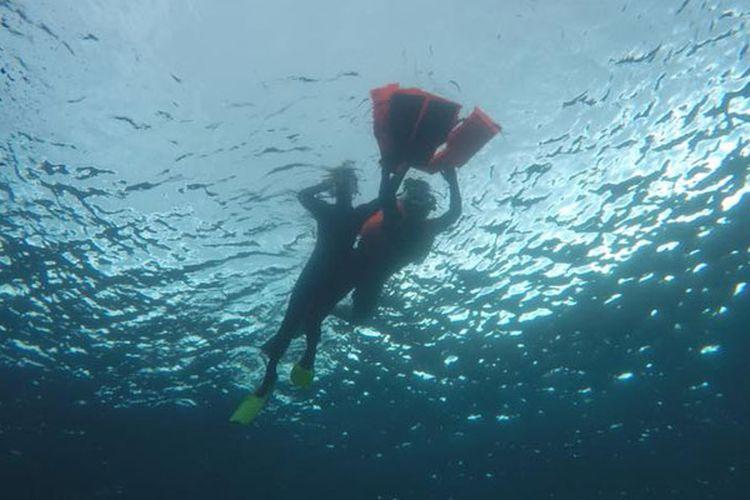 Freediving di Bunaken, Sulawesi Utara.