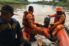 Tergelincir ke Sungai Citarik, Seorang Kakek di Kabupaten Bandung Hilang