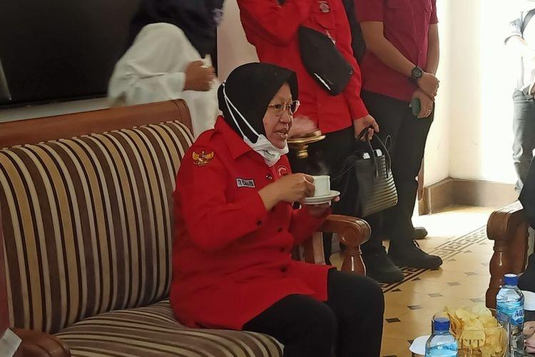 Ketua DPP PDI Perjuangan Bidang Kebudayaan Tri Rismaharini mengunjungi Gedung Indonesia Menggugat, Jalan viaduct , Kota Bandung, Rabu (2/6/2021).