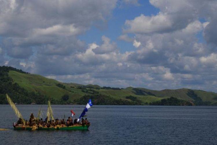 Danau Sentani, Jayapura, Papua.