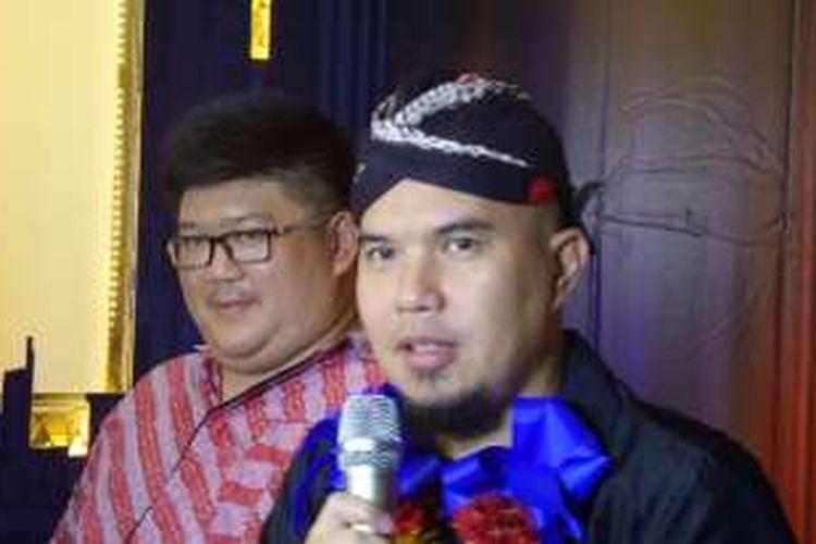 Ahmad Dhani menghadiri acara pembukaan Masterpiece Family Karaoke cabang kawasan Buaran, Duren Sawit, Jakarta Timur, Selasa (26/4/2016) malam.