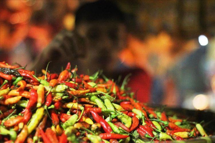 Sejak dua minggu terakhir harga komoditas cabai di sejumlah pasar tradisional di Kabupaten Cianjur, Jawa Barat melonjak drastis. Harganya saat ini dikisaran Rp90 ribu per kilogram