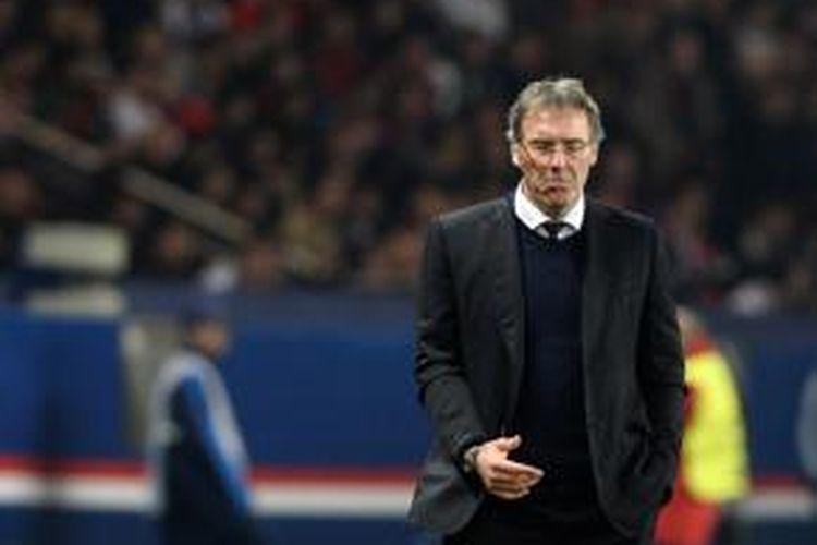 Pelatih Paris Saint-Germain, Laurent Blanc.