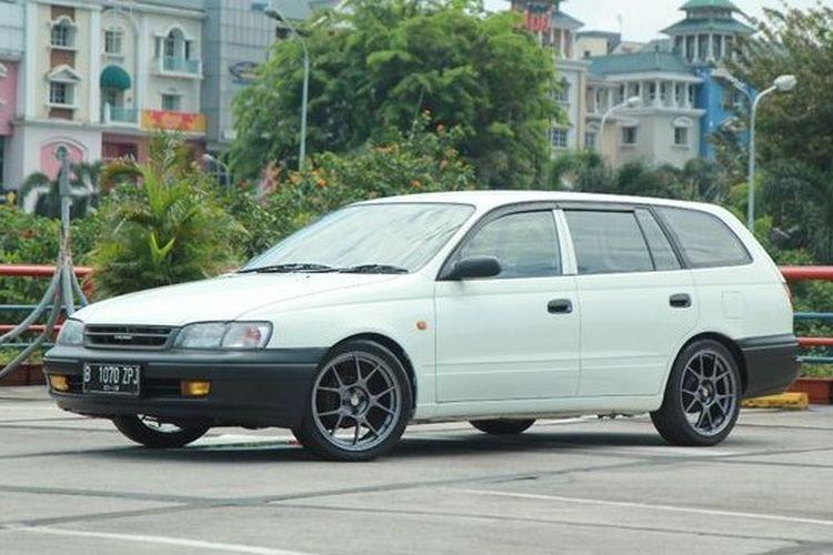 Ilustrasi Toyota Caldina, salah satu estate yang ada di Indonesia