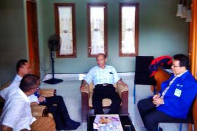 Zulkifli Hasan saat berbincang-bincang dengan Syafii Maarif, Kamis (26/2/2015).
