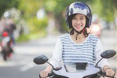 Ladies, Hindari Pakai Rok Saat Berkendara Motor