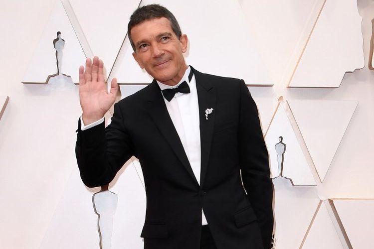 Aktor asal Spanyol Antonio Banderas menghadiri perhelatan Oscar 2020 yang digelar di Dolby Theatre, Hollywood, California, pada 9 Februari 2020.