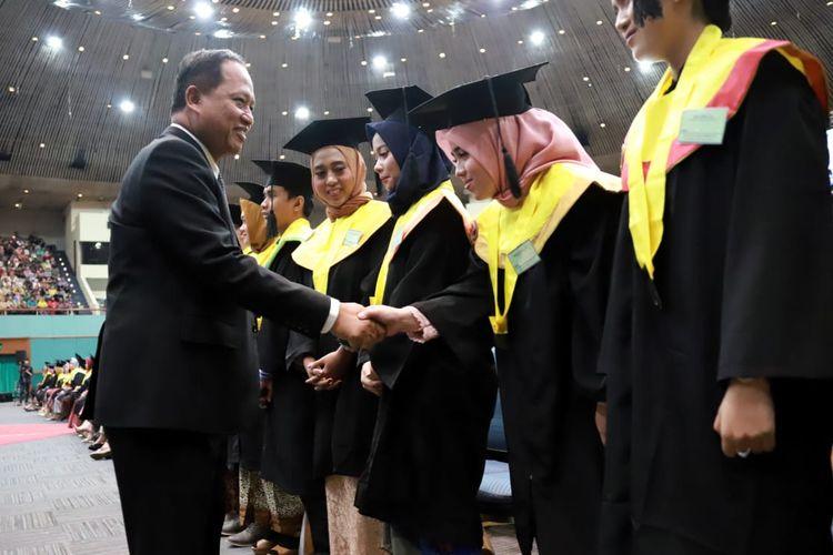 Menteri Nasir saat menghadiri Wisuda dan Dies Natalis Univeristas Nasional ke-70 di Jakarta Convention Center (22/9/2019).