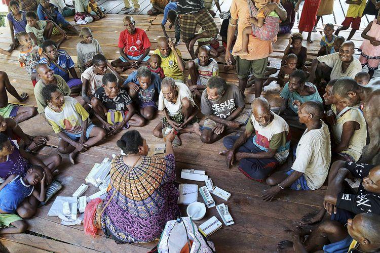 Pengobatan di Pustu Atat, Asmat, Papua. Gambar diambil pada 13 Januari 2018.
