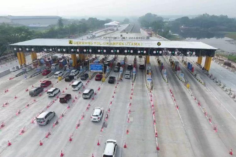 jasa Marga mencatat volume kendaraan yang melintas pada Senin (3/6/2019) atau H-2 Lebaran tercatat sebesar 67.572 unit melalui Gerbang Tol (GT) Cikampek Utama.