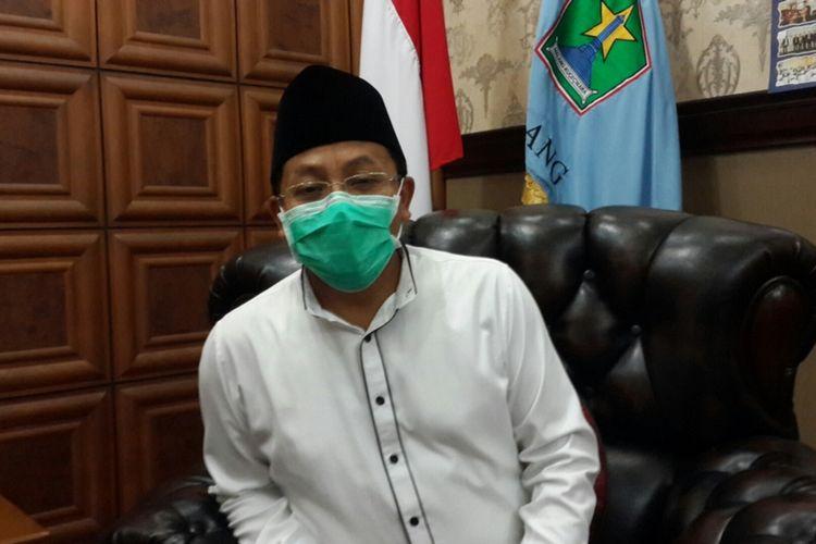 Wali Kota Malang, Sutiaji saat diwawancara di rumah dinasnya, Rabu (8/4/2020).