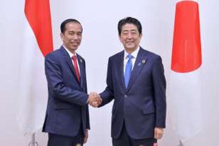 Presiden Joko Widodo dan Perdana Menteri Jepang Shinzo Abe saat pertemuan bilateral, Jumat (27/5/2016).