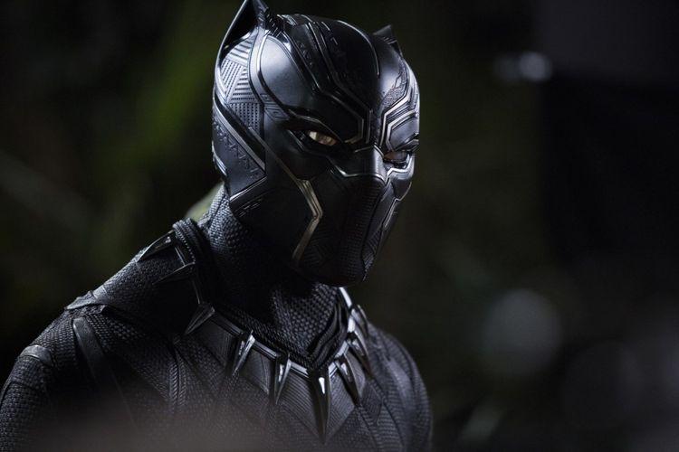 Black Panther, diperankan oleh aktor Chadwick Boseman, merupakan salah satu superhero Marvel. Film Black Panther dirilis pada Februari 2018.