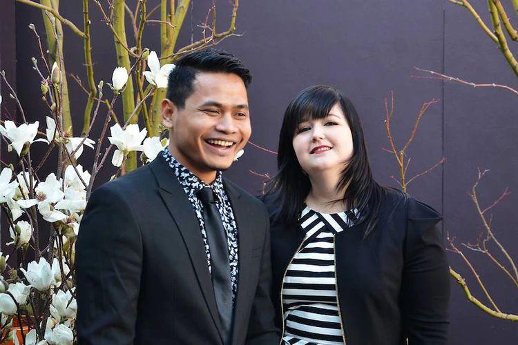 Hana Joyce dan suaminya Ketut Aprinawan mengaku bersyukur karena keluarga dan tetangga-tetangganya di Bali telah mendapatkan vaksin Covid-19.