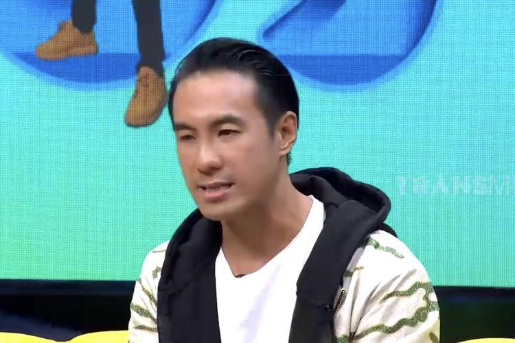 Daniel Mananta dalam acara Okay Bos.