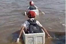 Pasca-viralnya Video Siswa SD Seberangi Sungai dengan Kotak Busa, Pemkab OKI Kaji Pembangunan Jembatan