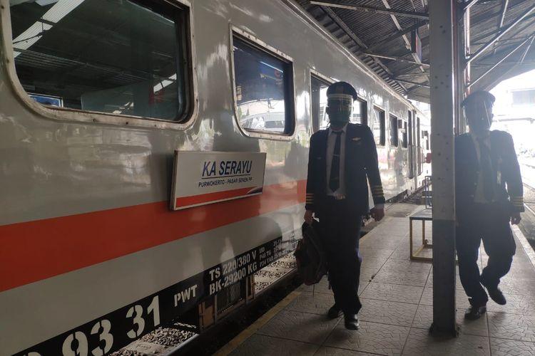 Masyarakat yang membutuhkan perjalanan menuju Jakarta, Daop 2 masih mengoperasikan 2 perjalanan kereta api yaitu KA Turangga  dan KA Serayu Pagi.
