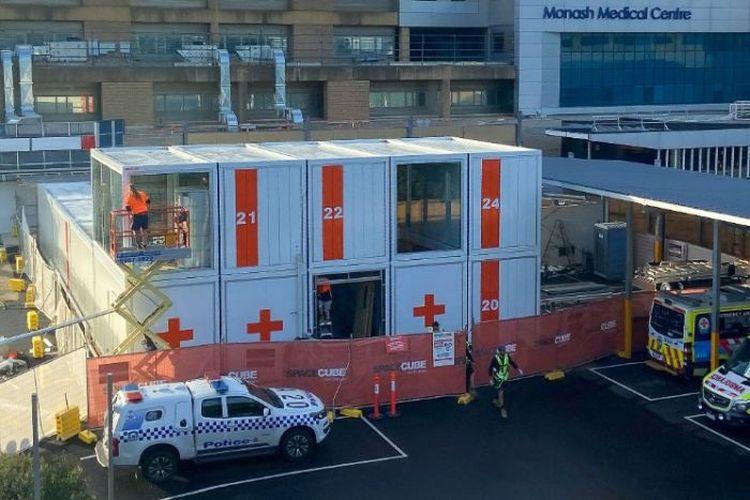 Rumah sakit Monash Health di Melbpurne menambah unit darurat untuk perawatan pasien Covid-19.