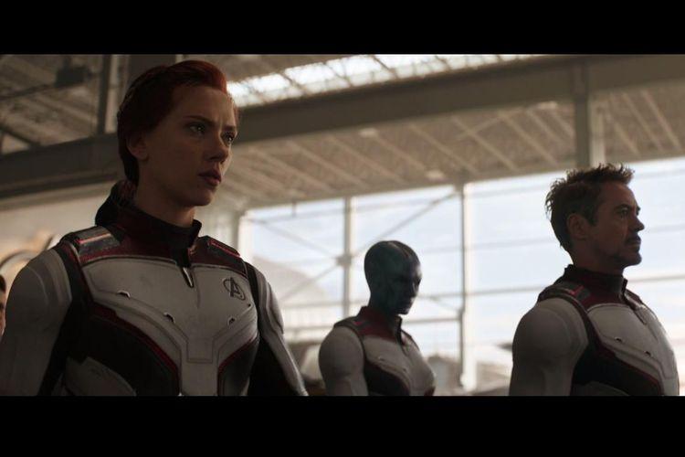 Kostum para superhero yang tersisa dalam Avengers: Endgame.