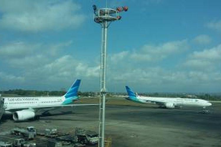Pesawat Garuda Indonesia di Bandara Ngurah Rai Bali