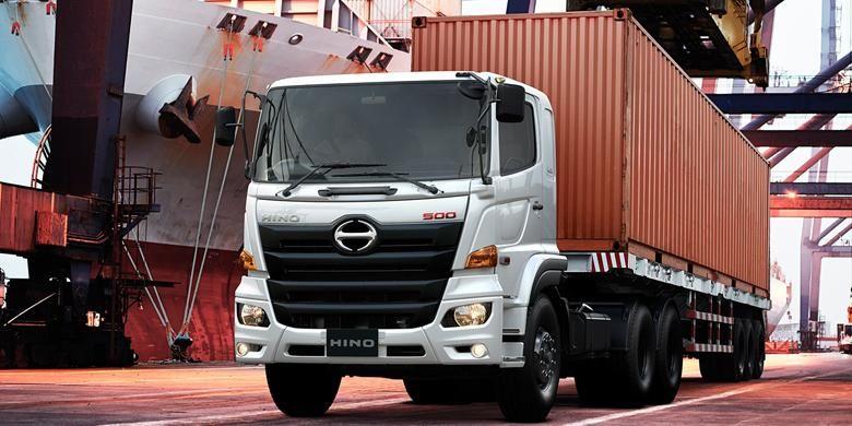 Hino jalin kerja sama peremajaan truk Angkutan Khusus Pelabuhan (Angsuspel) Organda DKI.