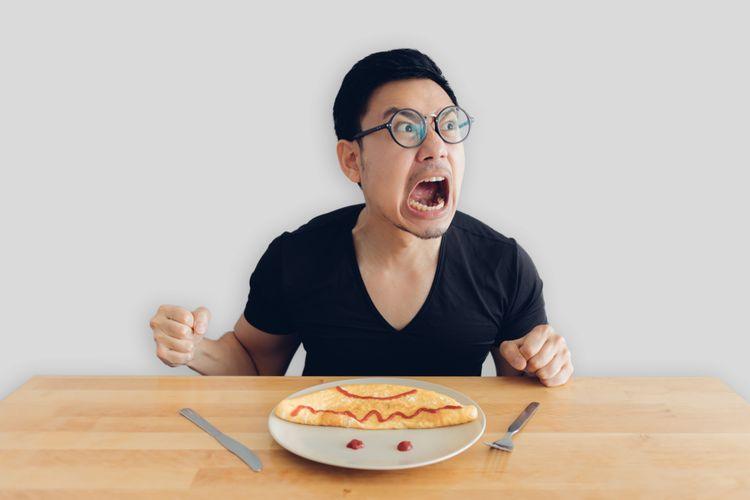 Ilustrasi makan saat marah