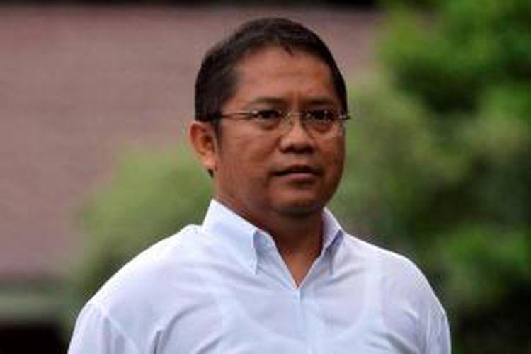 Menteri Komunikasi dan Informasi Rudiantara, diperkenalkan oleh Presiden Joko Widodo di Istana Merdeka, Jakarta, Minggu (26/10/2014). TRIBUN NEWS / DANY PERMANA