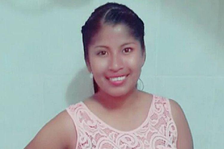 Estefany Benitez, seorang wanita di Bolivia yang mengungkapkan dia mengunyah jari manusia busuk di burger yang dia pesan.