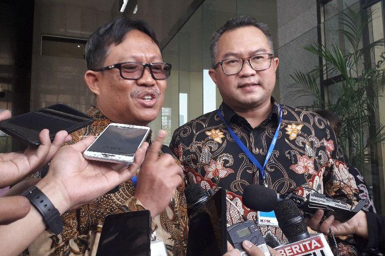 Ketua Dewan Guru Besar Institut Pertanian Bogor Yusram Massaji  menyampaikan dukungan terhadap KPK di Gedung Merah Putih KPK, Selasa (10/9/2019).