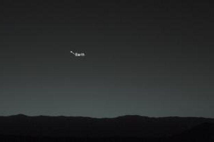 Wajah Bumi dan Bulan yang dipotret oleh wahana antariksa Curiosity dari Mars pada 31 Januari 2014 lalu.