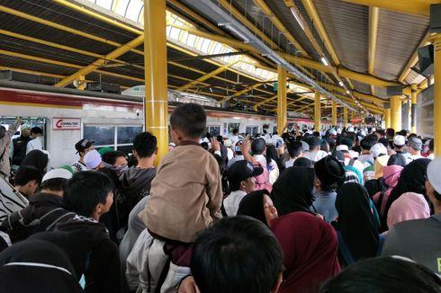 BERITA FOTO: Ramainya Suasana di Sekitar Stasiun Gondangdia saat Reuni 212